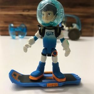 Disney Miles from Tomorrowland Figures & Rover Set